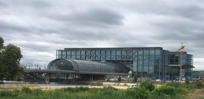 Berliner Mauerweg -Nähe Hauptbahnhof mauerrunde_000