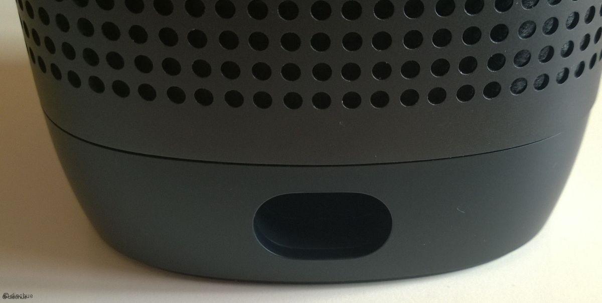 speaker_09